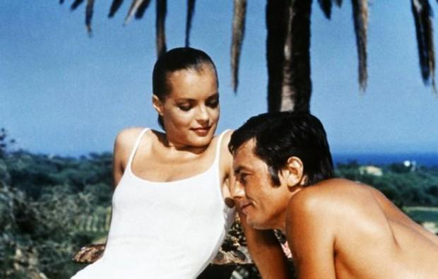 La piscine: The villa couple